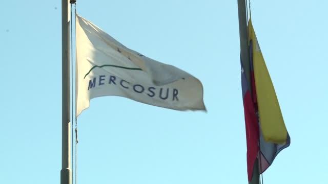 los coordinadores del mercosur se reunieron el martes en la capital uruguaya en busca de formulas para destrabar la crisis surgida por el traspaso de... - montevideo stock videos & royalty-free footage