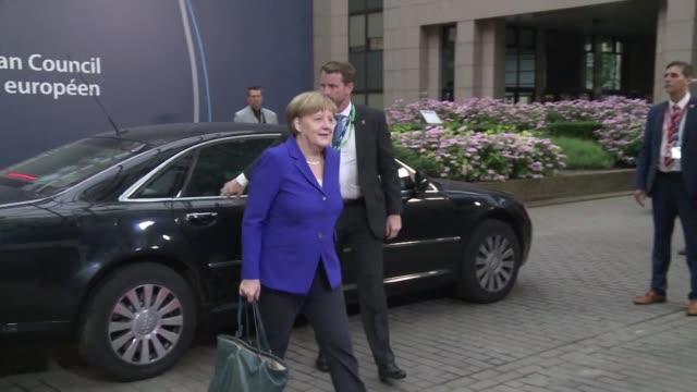 los dirigentes europeos se reunen este miercoles en bruselas por primera vez sin el primer ministro britanico david cameron para intentar definir el... - reino unido stock videos & royalty-free footage