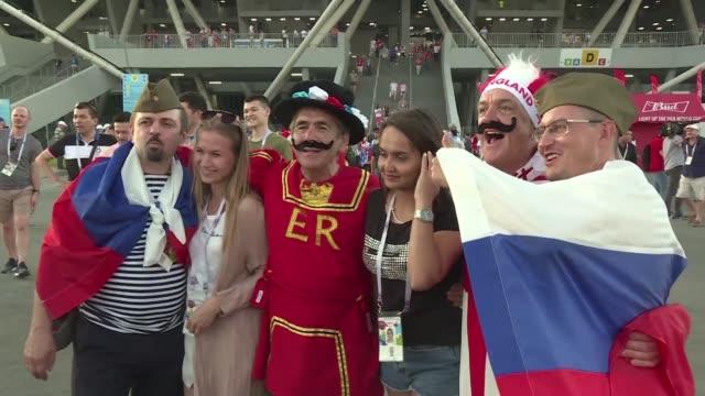 vídeos y material grabado en eventos de stock de los fanaticos ingleses celebraron el sabado la clasificacion a las semifinales del mundial de rusia 2018 luego de vencer a suecia por 2-0 - ronda de semifinales