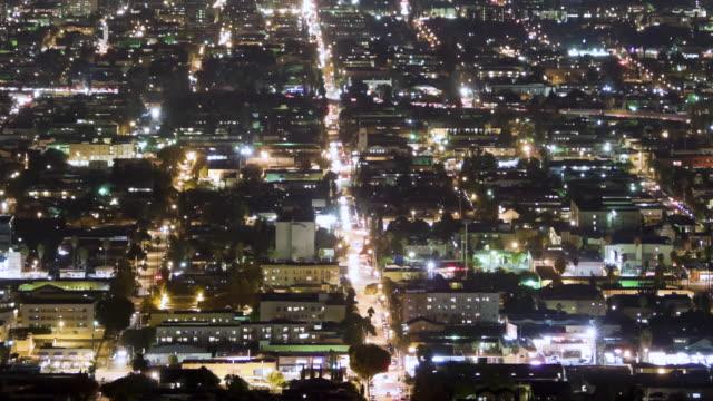 vídeos de stock, filmes e b-roll de cu aerial t/l los feliz and east hollywood areas at night / los angeles, ca, united states - hollywood califórnia