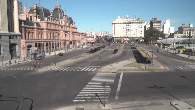 los grandes sindicatos argentinos realizaron el martes una huelga general en una jornada que coincidio con el sorpresivo cambio en la presidencia del... - sindicatos stock videos & royalty-free footage