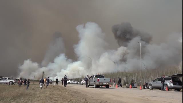 Los incendios de la region de Fort McMurray en Canada siguen fuera de control y la situacion es imprevisible y peligrosa por las elevadas...