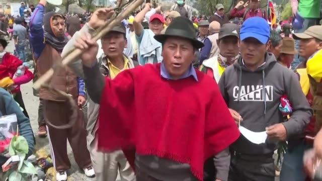 los indigenas en ecuador han derrocado presidentes y llegaron a ser parte de un triunvirato que goberno fugazmente en 2005 - gasolina stock videos & royalty-free footage