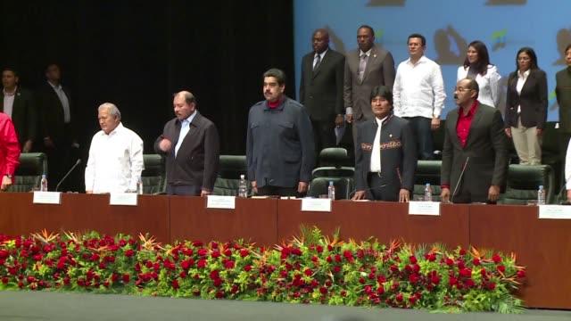 Los presidentes de Nicaragua y Bolivia manifestaron este sábado su respaldo a Nicolás Maduro al tiempo que criticaron las sanciones de EEUU a...
