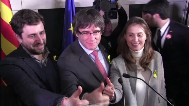 los separatistas mantuvieron el jueves la mayoria absoluta en el congreso en las elecciones regionales de cataluna a pesar de que el partido... - congreso stock videos and b-roll footage