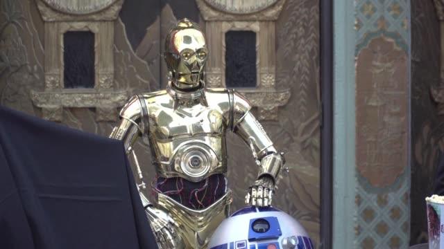 Los ultimos Jedi sumo 99 millones de dolares el fin de semana de Navidad en las salas de cine de Estados Unidos y Canada llegando asi a una taquilla...