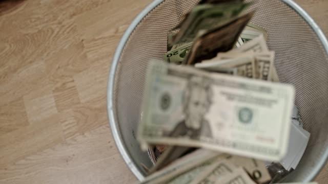 SLO MO Losing money