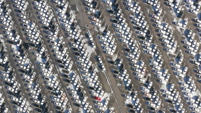 lots of cars standing in a parking lot / asan-si, chungcheongnam-do, south korea - グアム点の映像素材/bロール