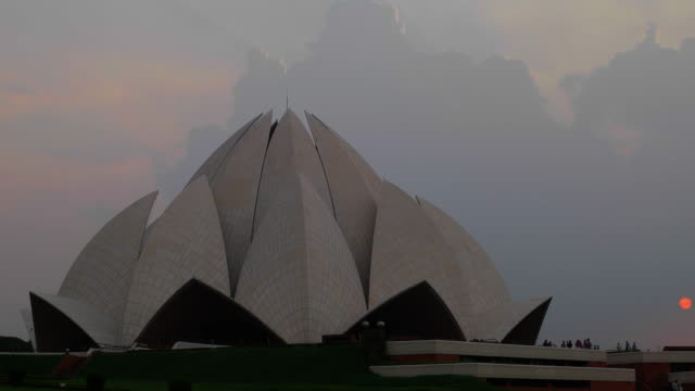 lotus temple at dusk - light beam stock videos & royalty-free footage