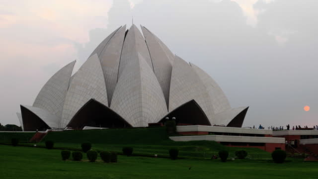 lotus temple, bahá'í house of worship, in new delhi, india - new delhi stock videos & royalty-free footage