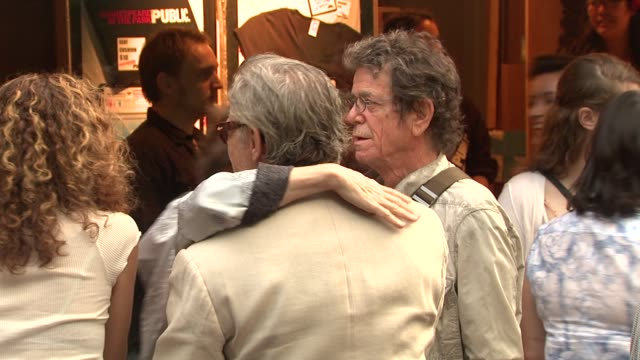 lou reed and harvey keitel at the 2010 public theater gala at new york ny. - ハーヴェイ カイテル点の映像素材/bロール