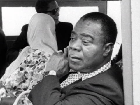 louis armstrong with his wife during visit to the democratic republic of congo - jazz stock videos & royalty-free footage