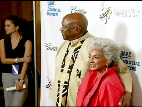 louis gossett jr and nichelle nichols at the the thelonious monk institute of jazz and the recording academy® los angeles chapter partner to honor... - herbie hancock stock-videos und b-roll-filmmaterial