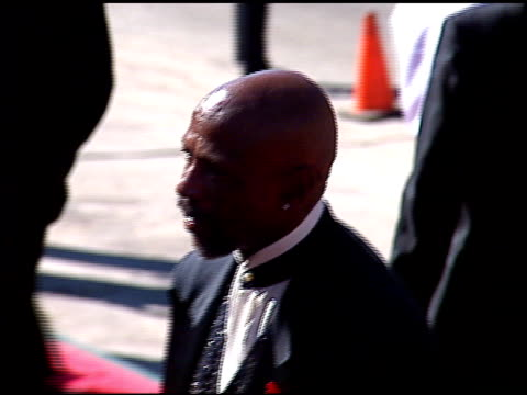 louis gossett jr at the 1996 emmy awards arrivals at the pasadena civic auditorium in pasadena, california on september 8, 1996. - pasadena civic auditorium stock videos & royalty-free footage