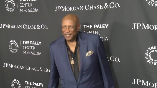 vídeos de stock, filmes e b-roll de louis gossett jr at the paley center for media's tribute to africanamerican achievements in television presented by jpmorgan chase co at the beverly... - four seasons hotel