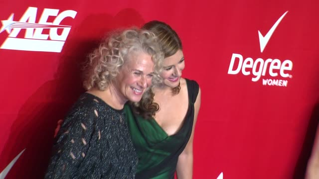 louise goffin and carole king at 2014 musicares person of the year honoring carole king at los angeles convention center on in los angeles california - musicares foundation stock videos & royalty-free footage