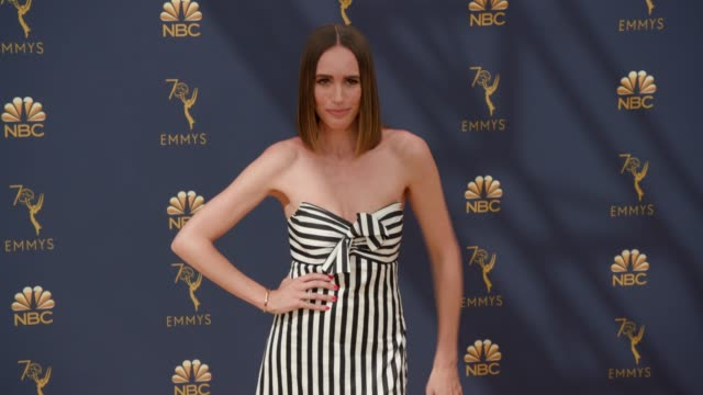 vídeos de stock, filmes e b-roll de louise roe at the 70th emmy awards arrivals at microsoft theater on september 17 2018 in los angeles california - 70th annual primetime emmy awards