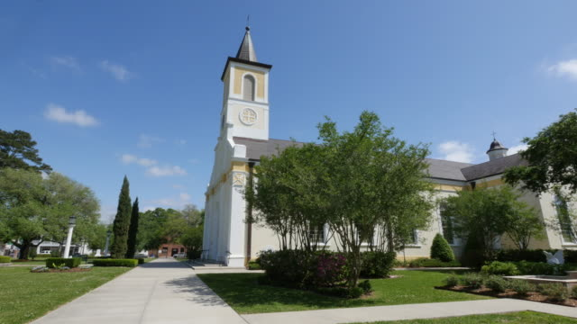 louisiana st martinville side view church - church stock videos & royalty-free footage