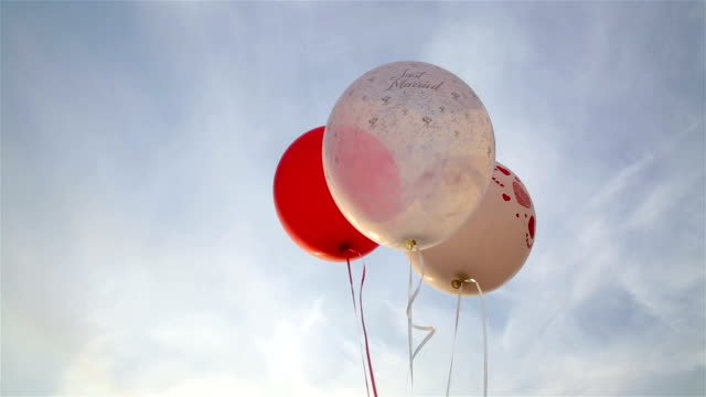 Love ballons in sky
