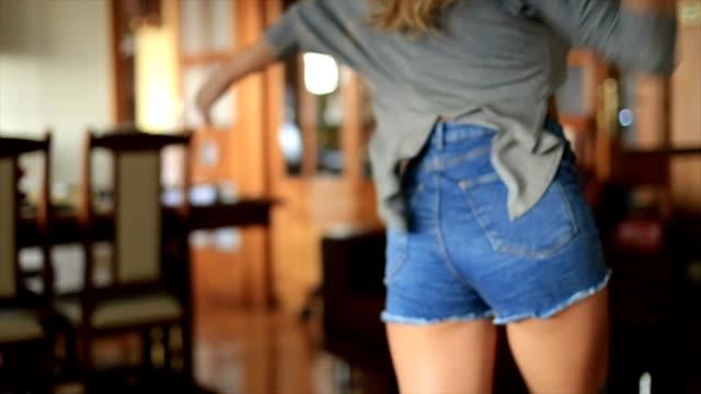 stockvideo's en b-roll-footage met ik hou van dansen met u - echtgenoot
