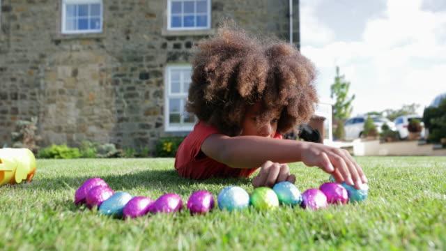 vidéos et rushes de j'adore les œufs de pâques! - pâques