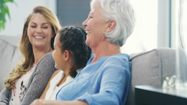 vidéos et rushes de j'aime avoir les cours - grand mère