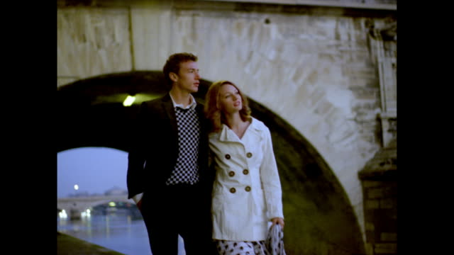love in paris - 画面切り替え フェードアウト点の映像素材/bロール