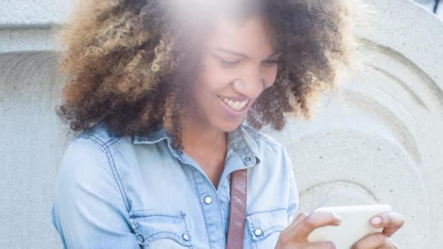 stockvideo's en b-roll-footage met love phone messages - ingesproken bericht