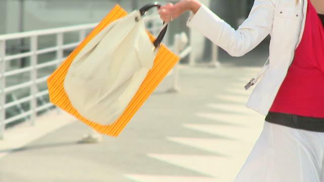HD DOLLY: I Love Shopping