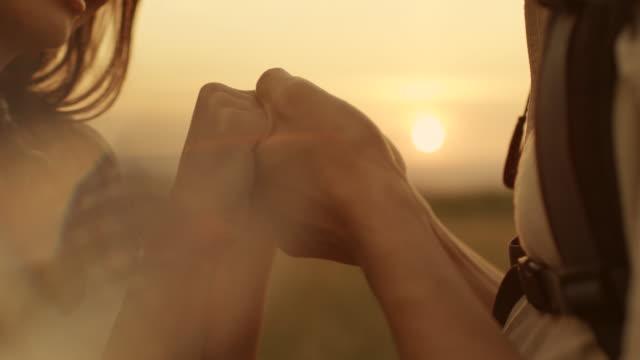 love - vertrauen stock-videos und b-roll-filmmaterial