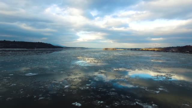 low aerial of frozen hudson river - hudson river stock videos & royalty-free footage