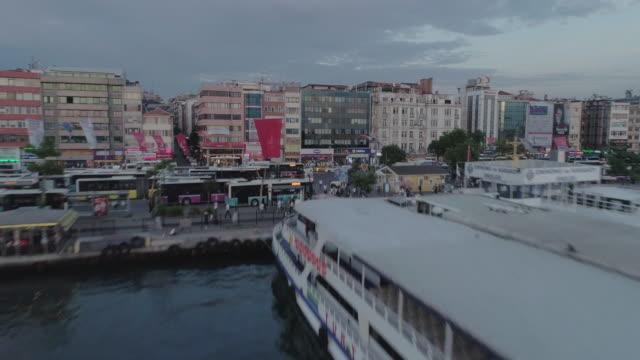 low aerial view of kadikoy rooftops. istanbul. turkey - イスタンブール 金角湾点の映像素材/bロール