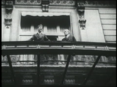 B/W 1927 low angle Charles Lindbergh with American ambassador wave from balcony / Paris