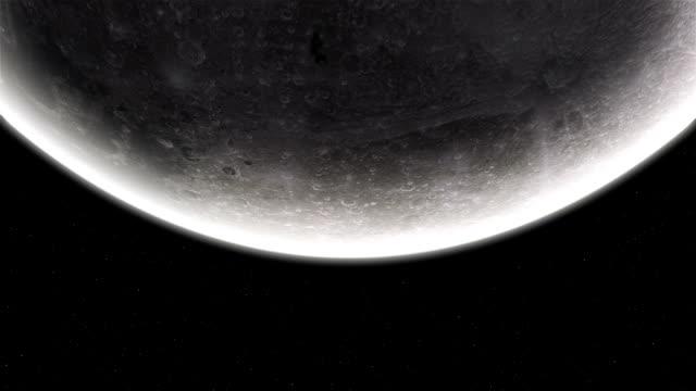 bassa angolazione della luna - luna video stock e b–roll