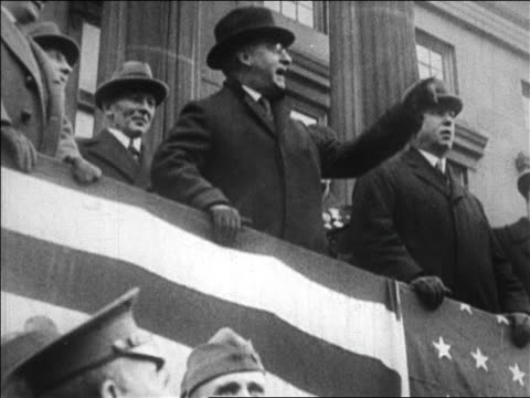 vídeos y material grabado en eventos de stock de b/w 1923 low angle senator copeland speaking at bonus march / brooklyn ny / newsreel - senador
