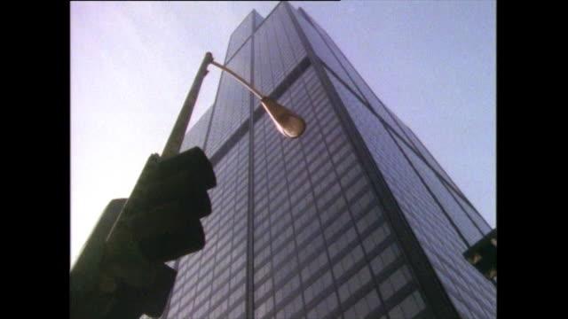 stockvideo's en b-roll-footage met low angle tilt up willis tower exterior in 1985 - willis tower