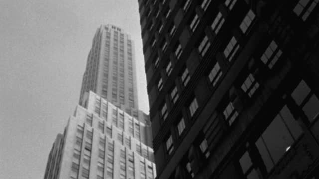 low angle view of 1 wall street against sky, lower manhattan, manhattan, new york city, new york state, usa - 1937 stock videos & royalty-free footage