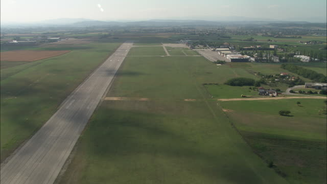 Low Flight Past Valence Airport