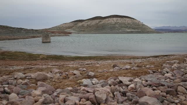 low water levels are visible at lake mead on may 13 2015 in the lake mead national recreation area nevada as severe drought grips parts of the... - 低い点の映像素材/bロール
