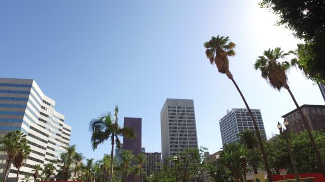 vidéos et rushes de low-angle shot of buildings in los angeles - low angle view