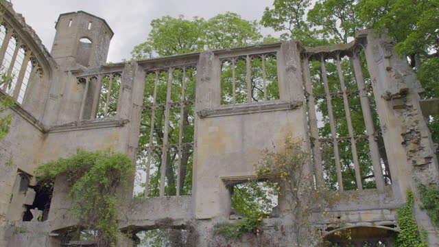 low-angle shot of the ruined banqueting hall at sudeley castle - war stock videos & royalty-free footage