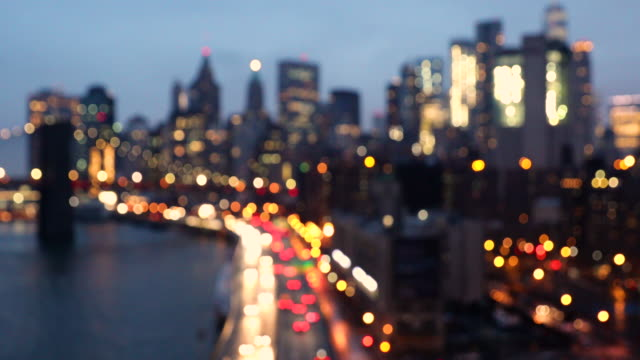 vídeos de stock e filmes b-roll de lower manhattan - downtown new york skyline at dusk - desfocado focagem