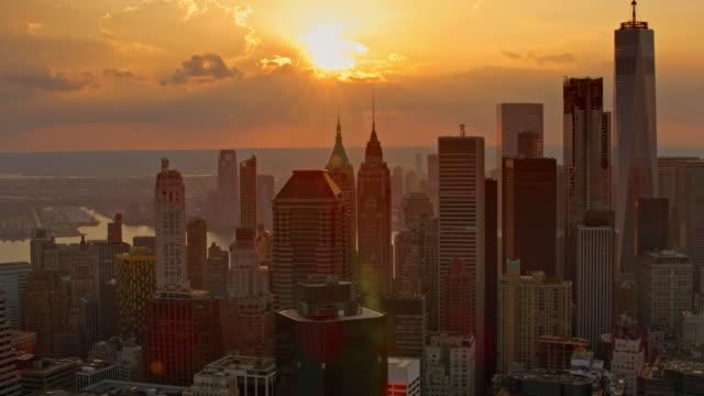 夕日のロウアー ・ マンハッタン空中 - マンハッタン点の映像素材/bロール