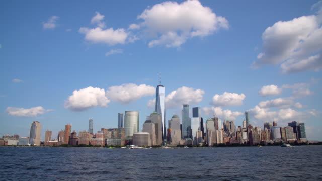 ws lower manhattan skyline and the hudson river / new york city, usa - inquadratura fissa video stock e b–roll