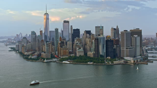 stockvideo's en b-roll-footage met luchtfoto lower manhattan - wall street lower manhattan