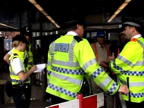 vídeos y material grabado en eventos de stock de low-key ceremonies were to be held wednesday to mark the fifth anniversary of the july 7, 2005 suicide bombings on three london underground trains... - vehículo comercial terrestre