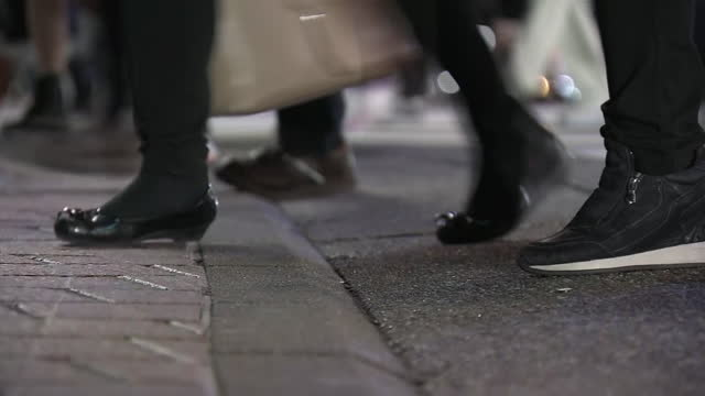 low-position, shibuya scramble at dusk, tokyo, japan - walkable city stock videos & royalty-free footage
