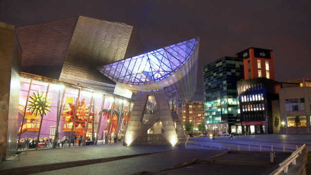 T/L, WS, Lowry centre illuminated at night, Salford Quays, Manchester, England