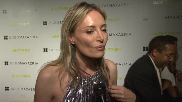 vidéos et rushes de lubov azria on why they decided to join forces with the whitney, what she thinks about the new exhibition, why it's important to give back, how... - museum