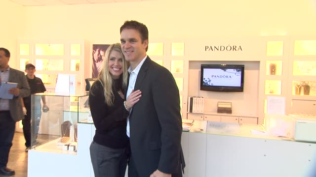 vídeos y material grabado en eventos de stock de luc robitaille stacia robitaille at pandora and luc robitaille host holiday event in century city mall in los angles ca - luc robitaille